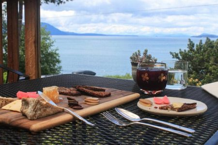 World Renowned Dinner Experience for 4 and Overnight Lodging at the Willows Inn Luxury Restaurant on Lummi Island