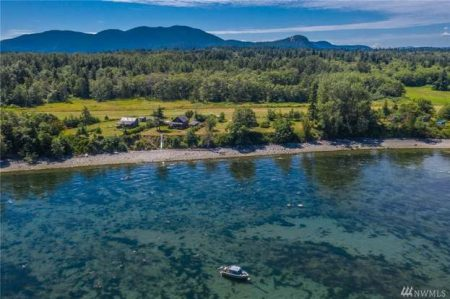 Transportation and Dinner for 8 at the Exclusive Huntley Pirate House on Sinclair Island